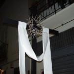 Croce con Sindone e corona di spine